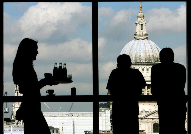 Số lượng người lao động của Anh tăng mạnh lên trên mức trước đại dịch