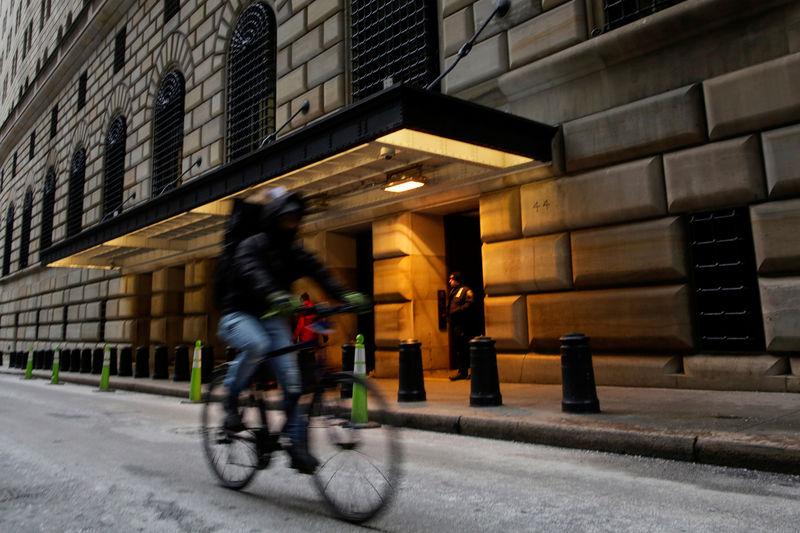 Các quan chức Fed nói rằng sẽ rút lại hỗ trợ kinh tế ngay cả khi lạm phát hạ nhiệt