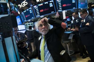 Dow Jones mất hơn 290 điểm bất chấp số liệu lạm phát tốt hơn dự báo