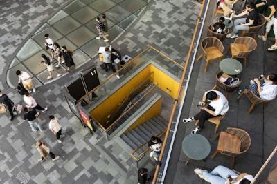 Kinh tế Trung Quốc suy yếu, doanh số bán lẻ giảm tốc