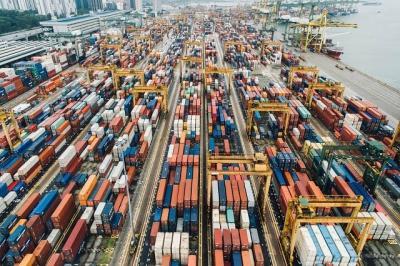 Giá cả leo thang vì chuỗi cung ứng tắc nghẽn nghiêm trọng
