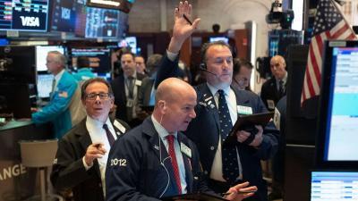 Phố Wall phục hồi, Dow Jones tăng 480 điểm