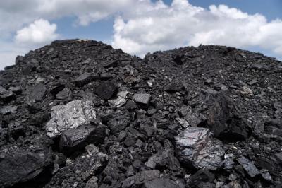 Giá than tăng vọt vì khủng hoảng thiếu điện tại Trung Quốc